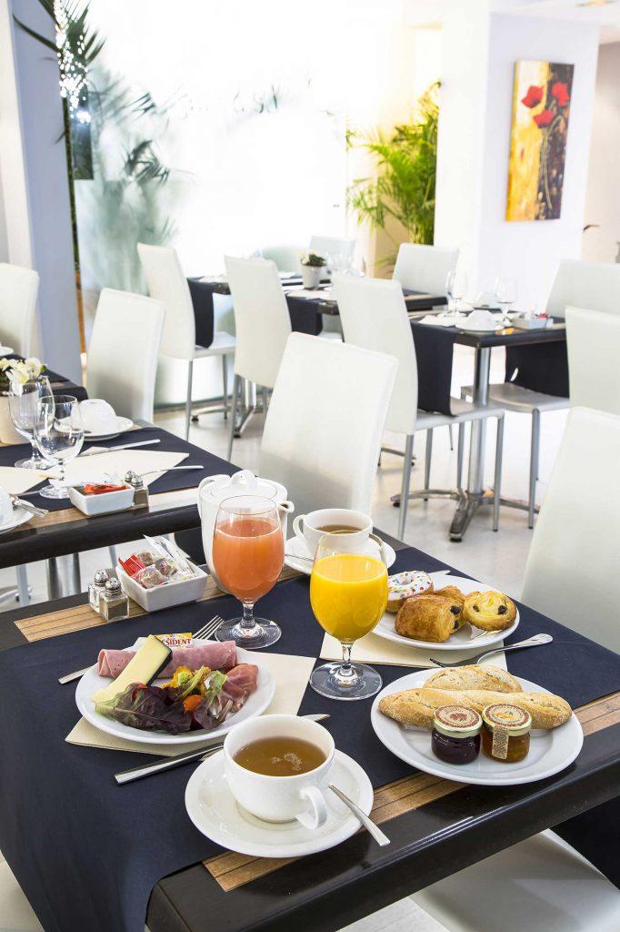 Petit déjeuner / Buffet - Hôtel Cannes