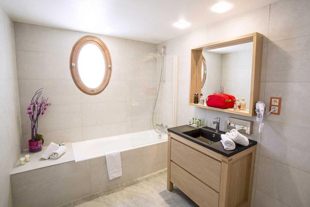 Salle de bain chambre privilège / Privilege room bathroom
